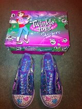 Girls Canvas Shoes Skechers Twinkle Toes sz 8 in Glendale Heights, Illinois