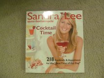 Sandra Lee Cocktails & Appetizers Cookbook in Columbus, Georgia