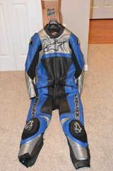 Mens 2 Piece Alpine Star Leathers in Fort Campbell, Kentucky