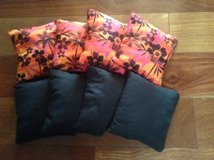 Cornhole bean bags 4 tropical hibiscus / 4 Black Aproximately 16oz. in Chicago, Illinois