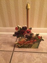 Paper towel holder in Spring, Texas