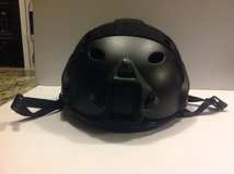 TACTICAL HELMET in Bolingbrook, Illinois