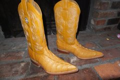 Womans Croc Cowboy Boots in Vacaville, California