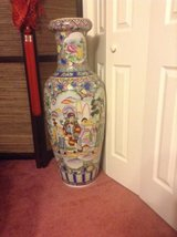 Oriental Vases in Camp Lejeune, North Carolina