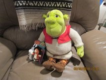 Shrek, The Ogre Plush Toy w/ 2 Finger Puppets & A Pad/Pen in Kingwood, Texas
