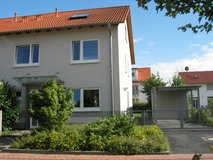 Large & modern House, 2658 sq ft, 4+ Bedrooms, near park in Wiesbaden, GE