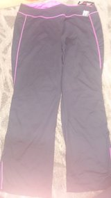 SZ. 1X new athletic pants in Okinawa, Japan