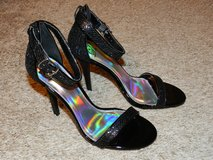 Black Glitter Ankle Strap Heels 7.5 in Fort Leonard Wood, Missouri