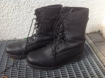 Military black boots by bates 10 wide in Stuttgart, GE