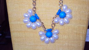 Turquoise & White Flowered Pearl Necklace & Earrings Set in Houston, Texas
