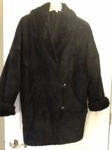 Women's Coat (M) Mid Thigh Suade in Lockport, Illinois