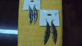 Leaf Fashion Jewelry Earrings in The Woodlands, Texas