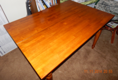 Dining Table, Solid Honey Oak in Alamogordo, New Mexico