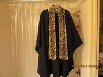 Designer Amanda Smith Sleeved Cape w/Leopard Collar in Houston, Texas