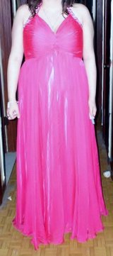 HOT PINK GOWN in Fort Polk, Louisiana