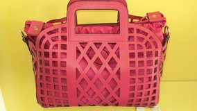 Ladies Pink Leather Bag in Houston, Texas