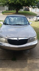 2001 Lincoln continental in Lawton, Oklahoma