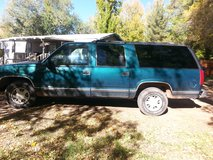 99 GMC Suburban runs great in Alamogordo, New Mexico