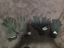 Winter Military Gloves in Fort Campbell, Kentucky