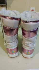Tink Winter Boots in Fort Lewis, Washington