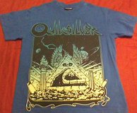 Quiksilver boys T-shirt pyramid & surf boards size S 8/10 in Fort Campbell, Kentucky
