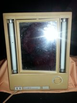 Vintage Clairol True to Light Lighted Makeup Mirror LM7 (T=16) in Fort Campbell, Kentucky