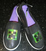 Girls / Womens Size 5 MINECRAFT Creeper Black Shimmer Shoes in Kingwood, Texas