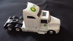 REALTOY BP Amoco Fuels 1:64 Die Cast Semi Truck (No Trailer) in Sandwich, Illinois