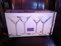 New / Martini Glass Set in Fort Campbell, Kentucky