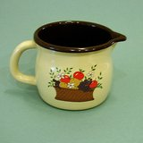 DECORATED GRANITEWARE SQUATTY PITCHER ~  FTD 1986 HARVEST DECAL ~EUC~ in Glendale Heights, Illinois
