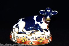 ROYAL CROWN DERBY ANIMALS AND URN VASE in Lakenheath, UK