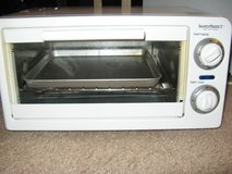 Simply Perfect brand Toaster Oven in Fort Huachuca, Arizona