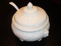 Antique Wedgewood Large Patrician Soup Tureen in Naperville, Illinois