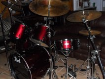 5 PC Pearl Drum Set w/SabianCymbals/ZildjianHighHat in Cleveland, Texas