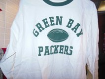 Reebok Green Bay Packer long sleeve t-shirt M in Algonquin, Illinois