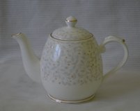 Lefard- Teapot 16 oz/ 2 cup white with gold trim in Naperville, Illinois