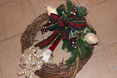 Christmas Santa Claus, Burlap Bow, Fruit, Cherries Wreath, Rustic, Vintage, Chic!! in Glendale Heights, Illinois