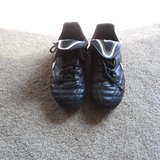 Nike soccer Cleats - Like new Size 2 Youth in Morris, Illinois