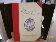 Christmas photo album in Elizabethtown, Kentucky