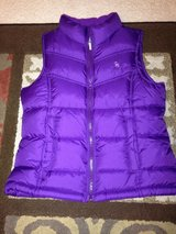 Girl's Old Navy winter/puffy vest 8 like new! in Bolingbrook, Illinois