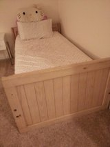 Twin size bed frame in Quantico, Virginia