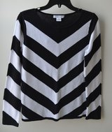Women's Sweater Black and White Liz Claiborne size M -NWT in Bolingbrook, Illinois