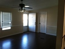 3 Bed 2 Bath Close to Base W/D included plus Water, Trash and Lawn in the rent in Camp Lejeune, North Carolina