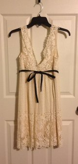 BCBGMAXAZRIA Ivory lace dress, New, sz 4 in Fort Campbell, Kentucky
