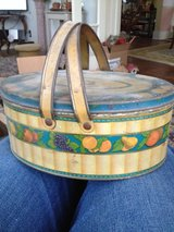 Vintage Tin Oval Sewing / Lunch Box with handles in Sugar Grove, Illinois