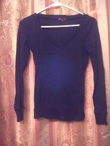 Black Thermal top size M in Naperville, Illinois