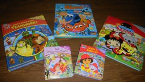 5 First Look & Find Board Toddler Book Lot Disney Finding Nemo Dory in Houston, Texas