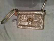 Large COACH Poppy Wristlet Platinum, NWT in Warner Robins, Georgia