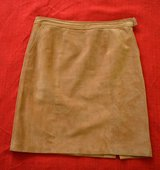 """Allegory""suede skirt size 10 in Batavia, Illinois"