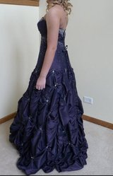 Beautiful Formal / Prom Dress - Size 8 in Chicago, Illinois
